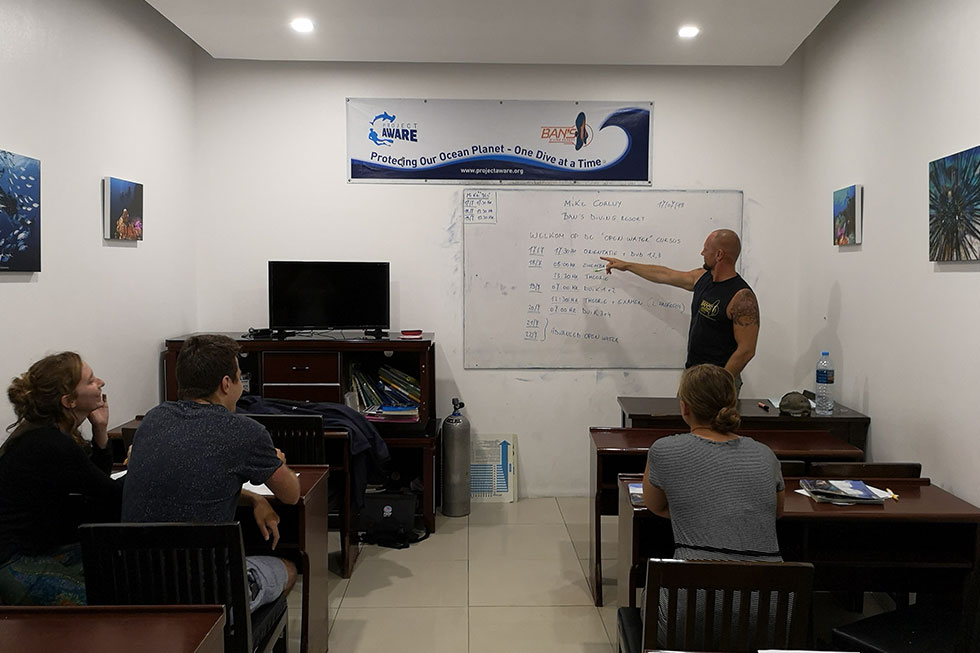 Classroom lesson for my PADI exam