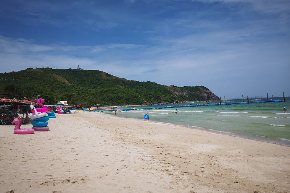 Samae Beach on Koh Larn