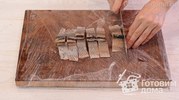 Πώς να ξεφλουδίσετε γρήγορα μια ρέγγα σε ένα φιλέτο χωρίς κόκαλα Φωτογραφία συνταγής 11