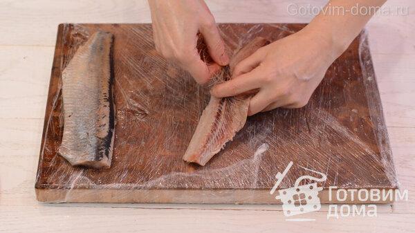 Πώς να ξεφλουδίσετε γρήγορα μια ρέγγα σε ένα φιλέτο χωρίς οστά Φωτογραφία συνταγής 8