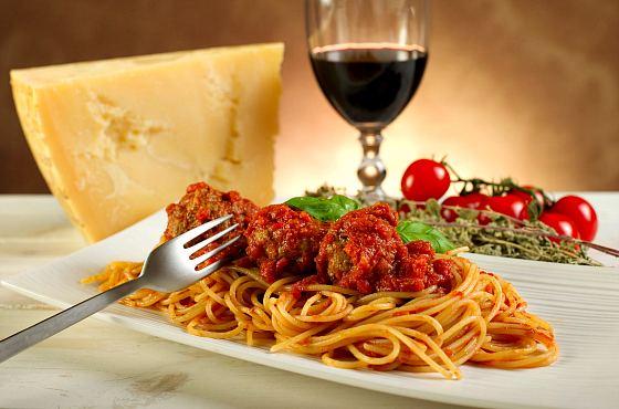 Тартылған ет қосылған спагетти