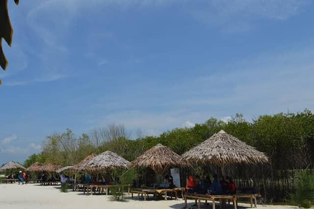 11 Tempat Wisata di Medan Yang Romantis Indah Banget ...