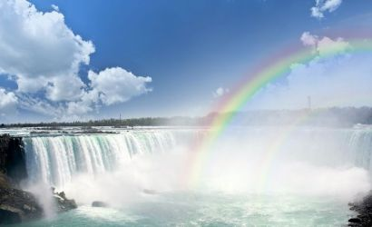 VIP Niagara Falls Tour from Toronto with Hornblower Cruise, Buffet Lunch