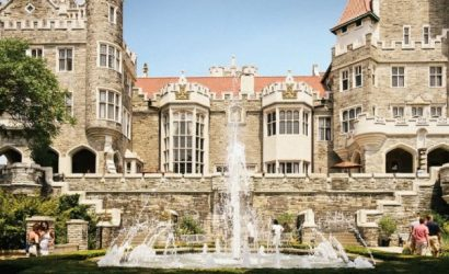 Gems of Toronto City Tour with Casa Loma - Small-Group
