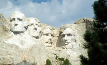 9-Day West Coast Tour From Denver: Wind Cave, Badlands, Yellowstone, Mt Rushmore, Grand Canyon