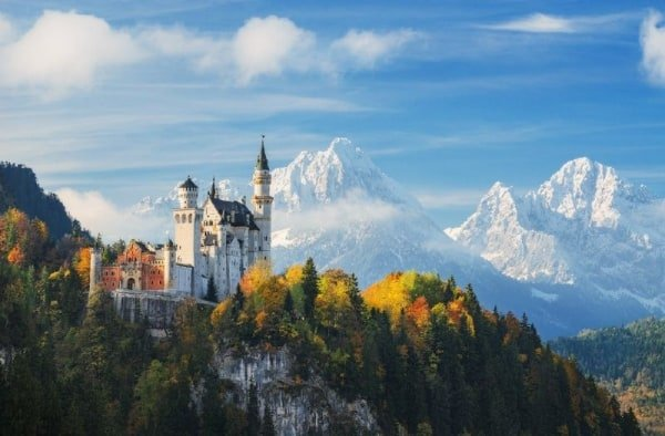 Neuschwanstein Castle Tour from Frankfurt with Rothenburg
