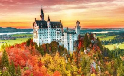 13-Day Central Europe Tour with Indian Food: Berlin to Paris