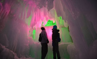 5-Day Classic Japan Adventure Tour: Sapporo Snow Festival and Hokkaido Highlights