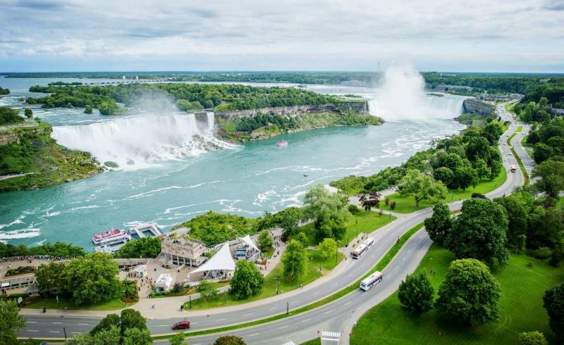 5-Day Chicago to Niagara Falls Tour with Detroit, Toronto and Cleveland