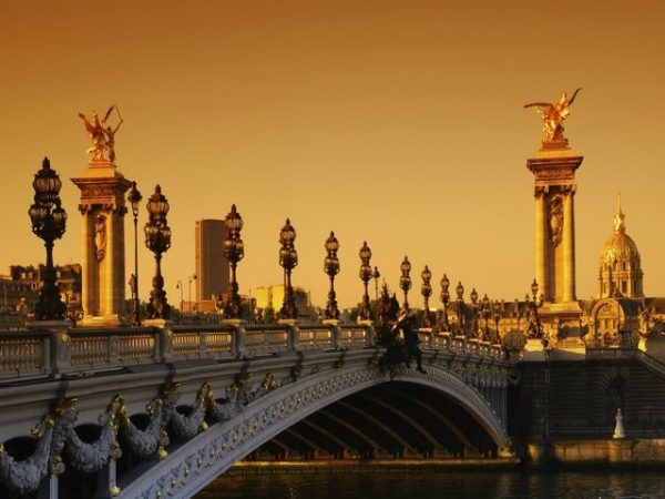 3-Day Paris Tour Package from Brussels with The Louvre and Versailles