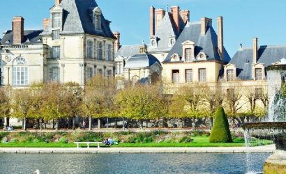 Fontainebleau and Vaux-le-Vicomte Small Group Tour from Paris