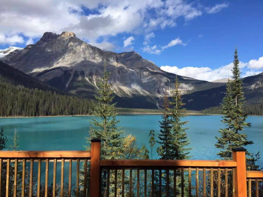 5-Day Canadian Rockies Summer Tour Package: Emerald Lake, Peyto Lake, Yoho National Park