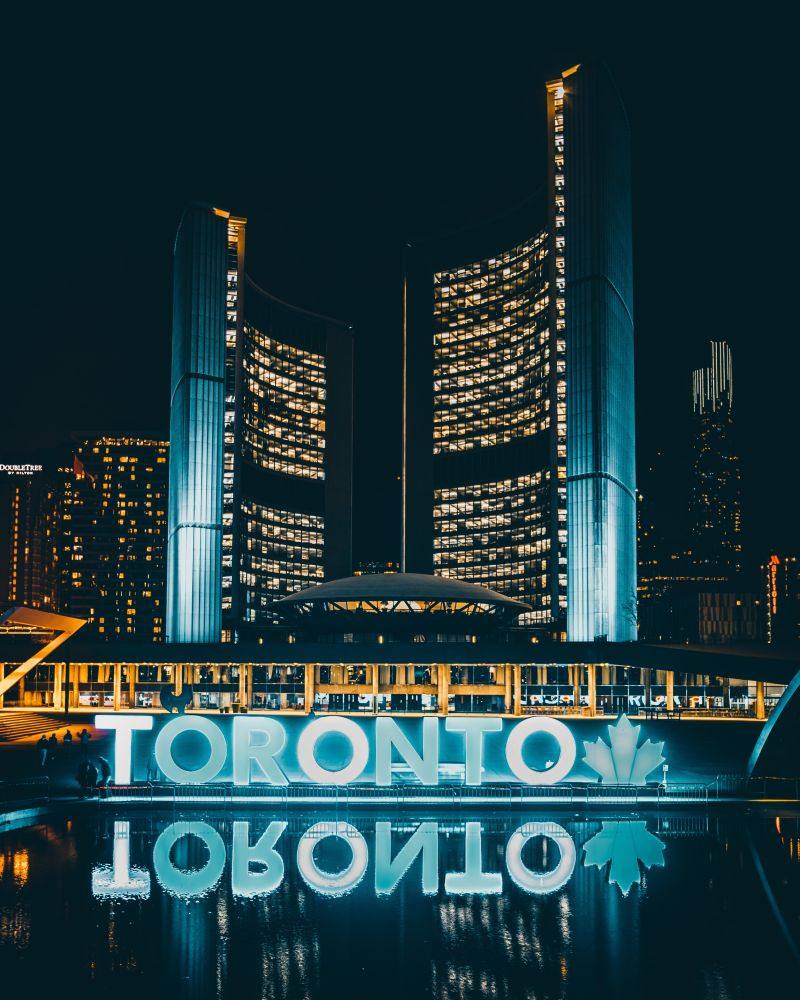 City Hall & Nathan Phillips Square