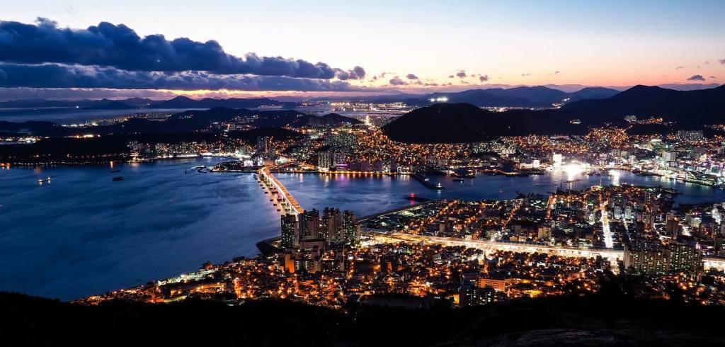 nighttime viewpoint in Busan