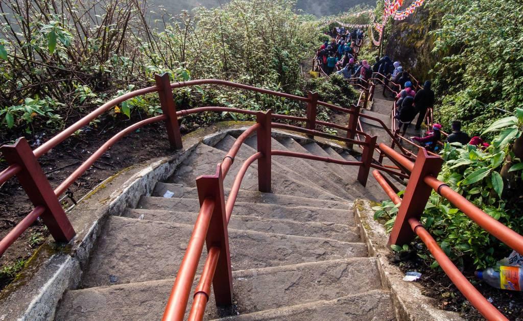 Stairs on Adam's Peak