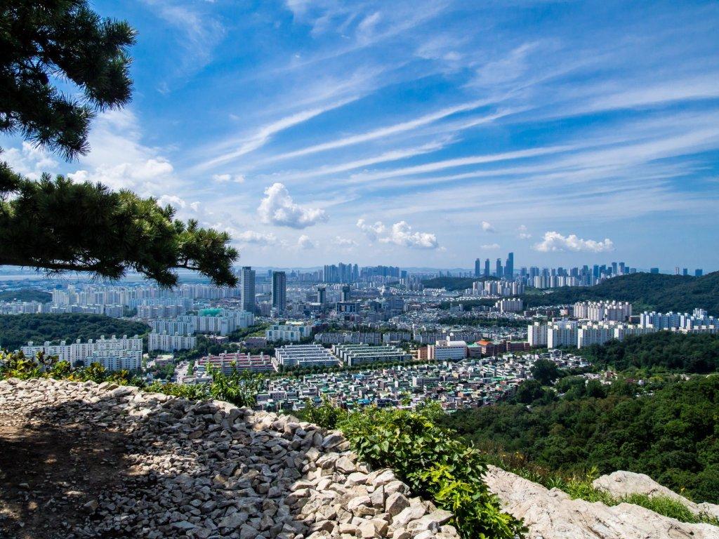 Munhaksan view of Songdo