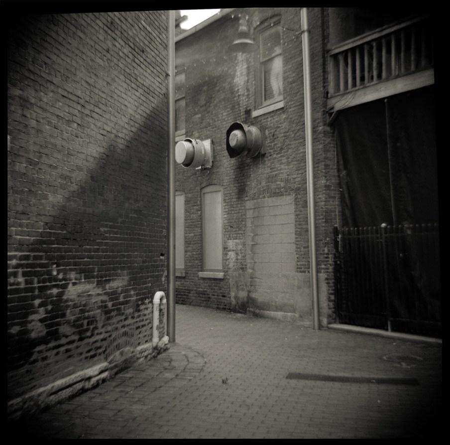 Alley way.