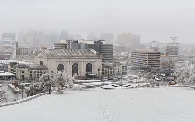GoTreads Battle 16 inches of Snow in Kansas City