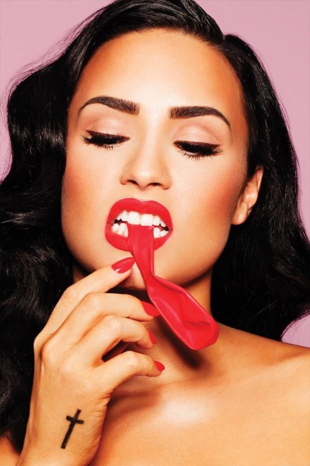 Demi Lovato revista Complex capa cover balao pinup blog got sin 02