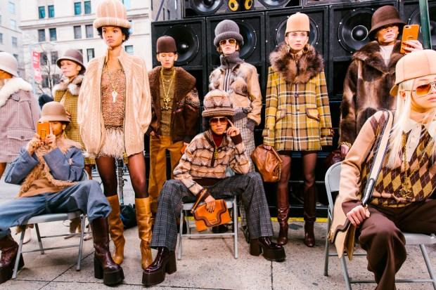 marc-jacobs-street-style-estilo-de-rua-cultura-hip-hop-desfile-de-moda-outono-inverno-2017-blog-got-sin-64