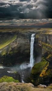 Hiking_waterfalls