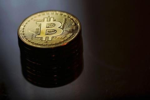 有名トレーダーさんによるビットコインの年末価格予想がこちら!!