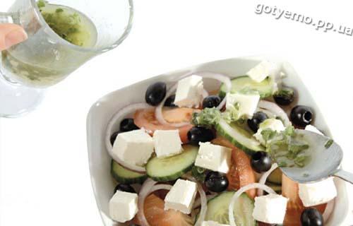 готовий грецький салат