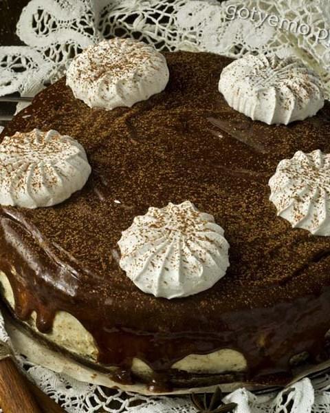 шоколадний торт з зефіром