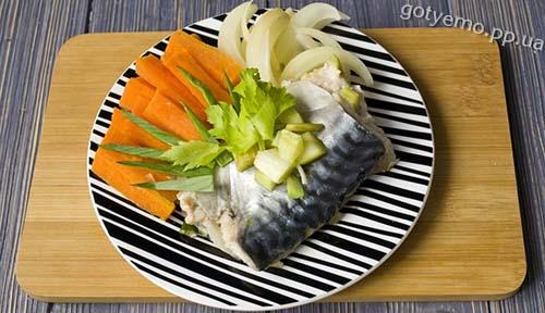 рецепт скумбрії на пару з овочами