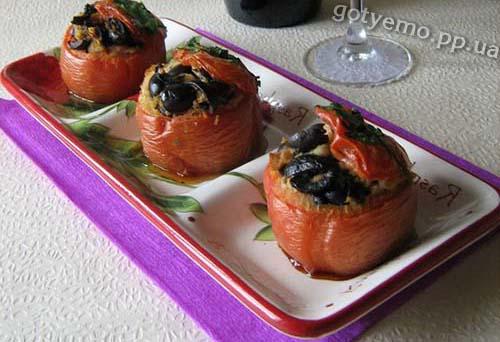 рецепт помідорів, фаршированих маслинами