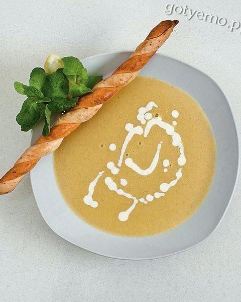 Крем-суп із сочевицею та м'ятою