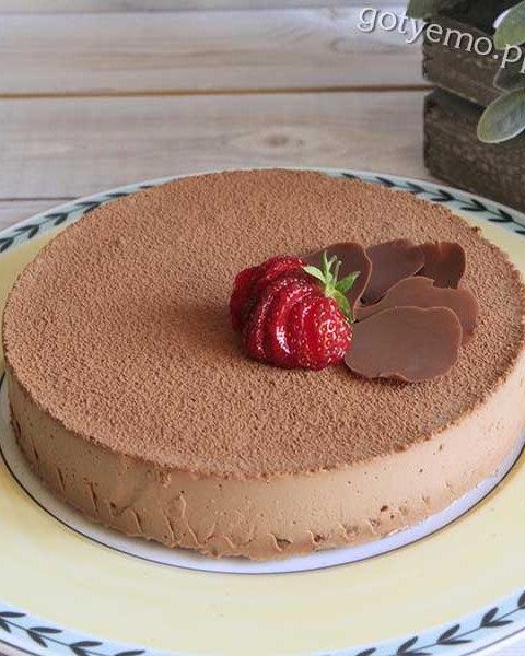 Торт з шоколадним мусом і бананами