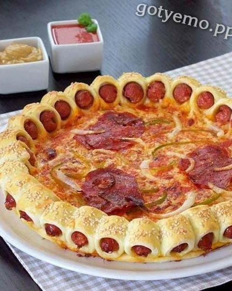 Піца з сосисками