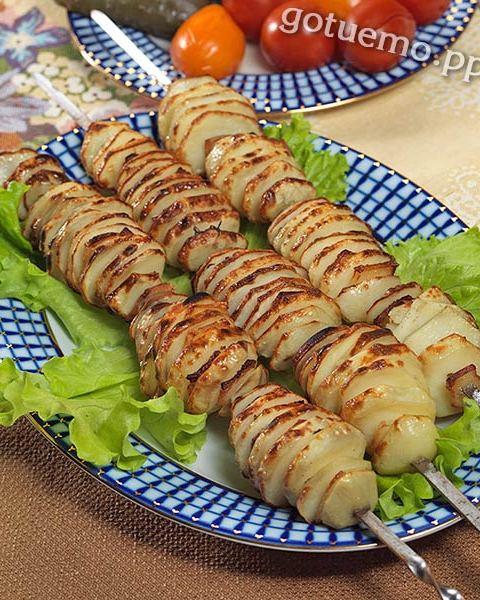рецепт печеної картоплі з салом на вогні