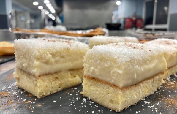 Pastel de crema y coco, ciasto budyniowo kokosowe