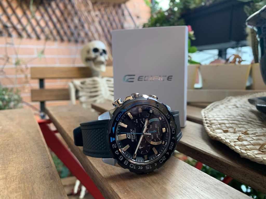 Casio Edifice EFS-S550PB - Especificaciones y diseño