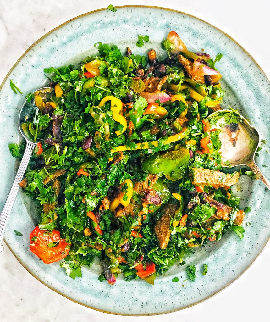 Fajita beef salad - low-carb delcious Mexican salad