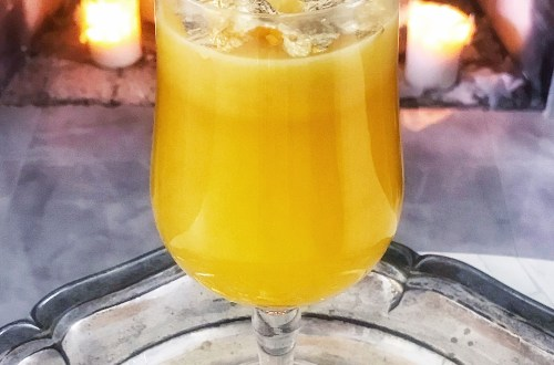 A Pot of Gold - Game of Thrones drink for season 8, episode 5, in honor of House Lannister