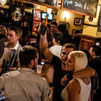 Bar Etiquette 101 – 10 Tips on How to Behave at a Bar