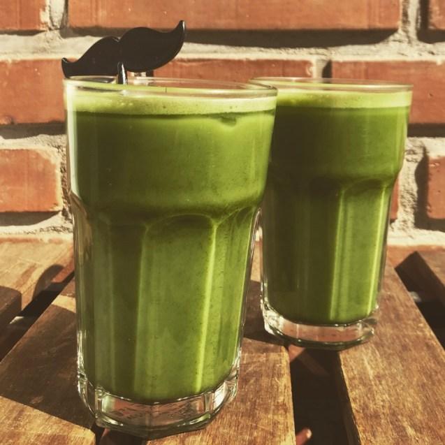 Batido de té verde con leche receta matcha