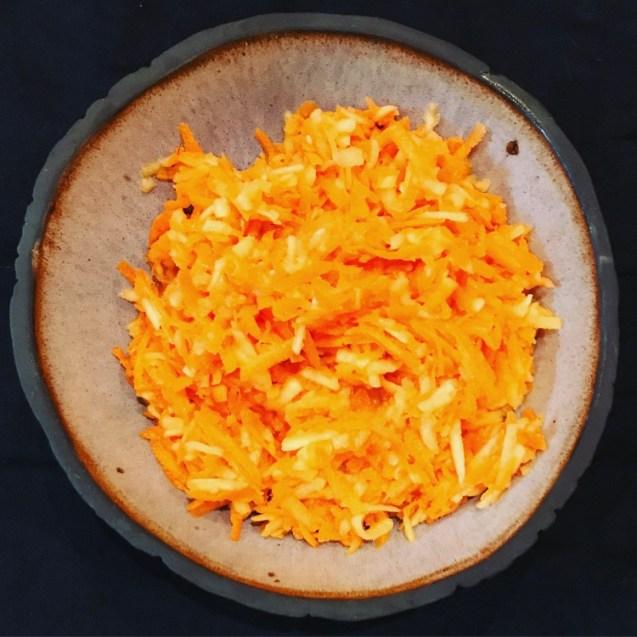 ensalada express de zanahoria y manzana