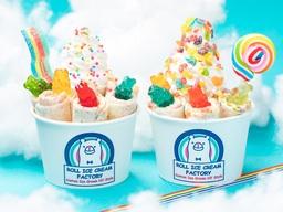 レインボーカラーがロールアイスに!話題の「ROLL ICE CREAM FACTORY」から限定メニュー提供開始