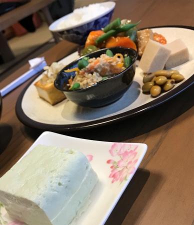 谷中で。豆腐、味噌からカレー、ビーガンラーメンや書道・茶道まで多彩な体験プログラムを用意‐‐【九条Tokyo】