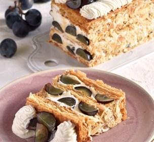 【キハチ 青山本店】レストランならではの作りたてを味わう一か月限定スイーツ。巨峰たっぷり、サクサクのパイの美味しさ「サクサクの巨峰パイ」