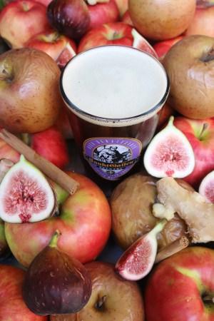 いちじくタルトのような味わいのビール「ウィンターフルーツタルトエール」神奈川の樹上完熟いちじく使用。樽生11月28日(水)発売、ボトル12月6日(木)発売