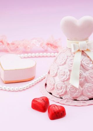 """【グランドプリンスホテル新高輪】""""バラ""""で""""ドレス""""を表現したバレンタイン&ホワイトデー限定のチョコレート「Robe de Rose」を販売"""