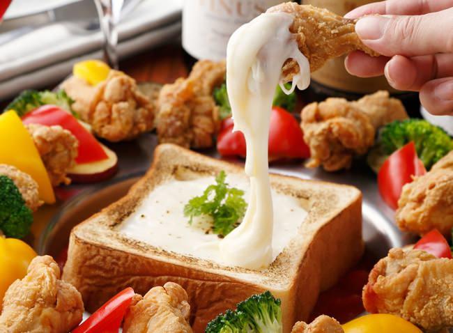 """新元号記念!パネチキンの進化!食パンの中にたっぷりチーズ""""食パネチキン""""が1480円で食べ放題♪"""