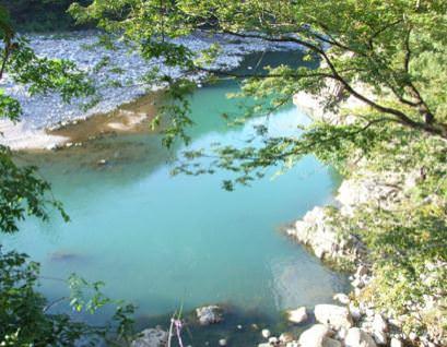 庄川の水 ©WAKATSURU All Rights Reserved.