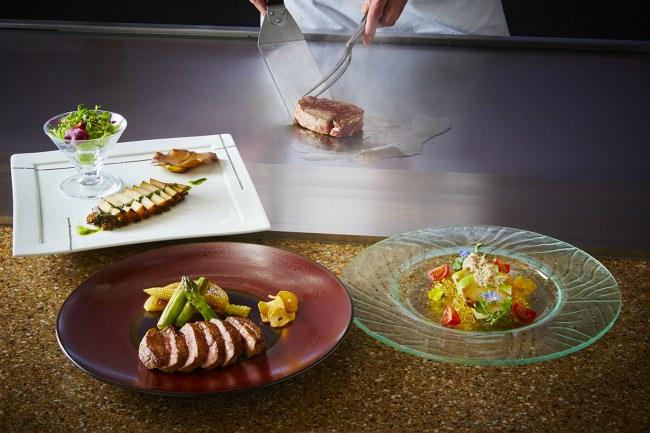 【ロイヤルパークホテル】松阪牛と宮崎牛。1つのコースで2度美味しい!贅沢な鉄板焼食べ比べディナーが登場。