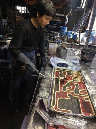 日本の伝統的な染色技法「注染」